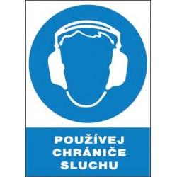 Používej chrániče sluchu!